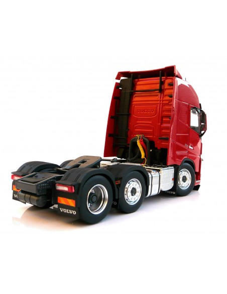 Volvo FH16 6x2 red